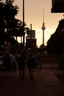 Abends in Berlin by Bastian  Kienitz
