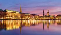 Hamburg - Binnenalster am Abend von Frank  Jeßen