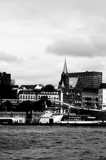 Hamburg Hafen by Bastian  Kienitz
