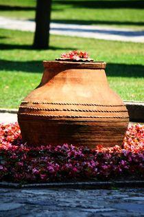Überdimensionale Blumenvase im Topkapi von ann-foto