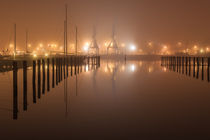Rostock - Stadthafen im nächtlichen Nebel von Moritz Wicklein