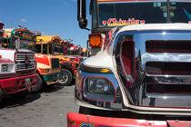 Guatemalan chicken buses 7 von studio-octavio