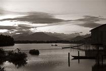 Fischerboot im Abendlicht - Vietnam by captainsilva