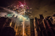 Fireworks in the ruins of Dunmore Park House. von Buster Brown Photography
