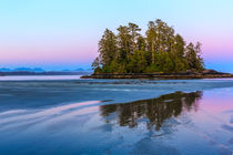 Low tide by Christine Berkhoff