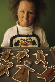 Hl02113-lady-gingerbread-faces
