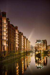 speicherstadt@night II by Manfred Hartmann