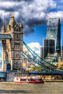 Tower Bridge and the City von David Pyatt