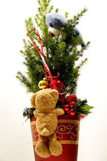 Weihnachtskugelnflaschenzug by Olga Sander