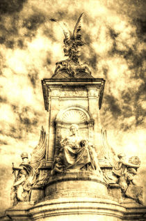 The Victoria Memorial London Vintage by David Pyatt