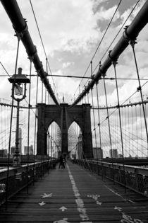 New-york-city-crossing-brooklyn-bridge