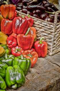 Piles of Peppers von Heather Applegate