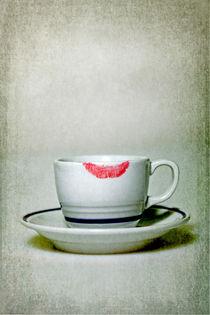 lip marks by Joana Kruse