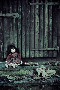 abandoned doll by Joana Kruse
