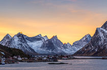 Reine Sunrise von Nick Wrobel