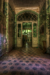 Tiles and doors von Nathan Wright