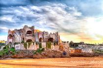 Die Ruine einer alten Medina bei der Grotte des Hercules am Atlantischen Ozean von Gina Koch