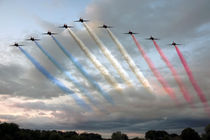 Red Arrows - Arrival by Steve H Clark Photography