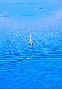 Boote an der ligurischen Küste von Italien by Gina Koch