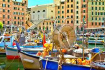 Boote im Hafen der Küstenstadt Camogli von Gina Koch