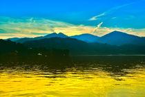Traumhafter Sonnenuntergang am Lago d `Oro in Italien, Europa,  von Gina Koch