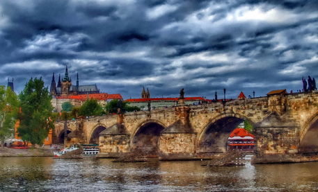 Charles-bridge-and-st-vitus-cathedral-painting