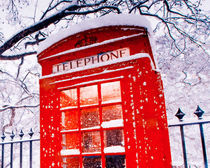 London-red-telephone-booth-1