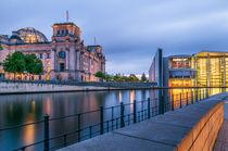 Reichstag an der Spree I von elbvue