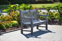An-empty-bench