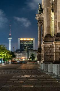 Reichstag und Berliner Fernsehturm I von elbvue