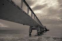 Cloudy Sea Pier von cinema4design