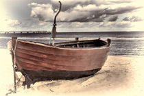 Altes Fischerboot am Strand - Old fishing boat on the beach FINE ART by Thomas Klee