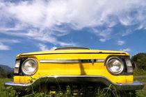 Yellow-car-renault