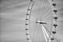 London Eye by Salvatore Russolillo