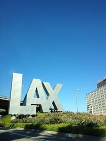 LAX by Mauricio Santana