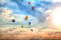 Viele bunte Heißluftballons von Gina Koch