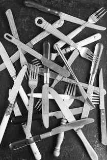 Forks + Knifes by Harald Walker