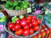 Tomatoes String Beans and Peppers at Farmer's Market von Susan Savad
