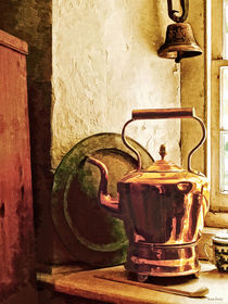 Copper Tea Kettle on Windowsill von Susan Savad