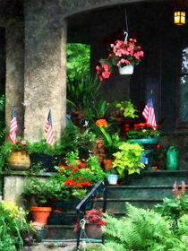 Gft-porchwithgeraniumsandamericanflags