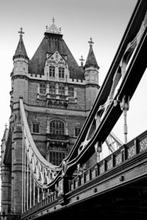 London-tower-bridge-03