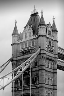 London-tower-bridge-01