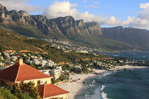 Küste von Kapstadt und Tafelberg in Südafrika von Marita Zacharias
