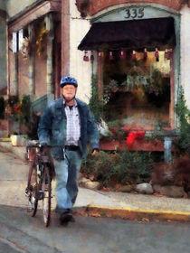 Man Crossing Street With Bicycle von Susan Savad