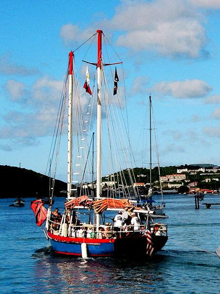 Fa-redwhiteand-blueboatatstthomas