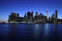 Blaue Stunde über Manhattan by Patrick Lohmüller