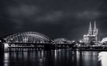 Köln bei Nacht by Denis Wieczorek