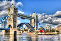 Tower Bridge and the Waverley von David Pyatt