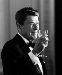 1051-president-ronald-reagan-making-a-toast-photo-poster-painting-jpeg