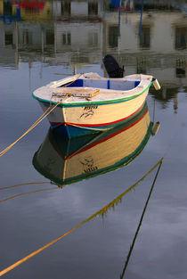 Boot mit Spiegelung by Dagmar Bittner